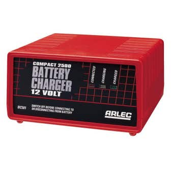 Arlec Compact Battery Charger with LED Display 2.5Amp 12V