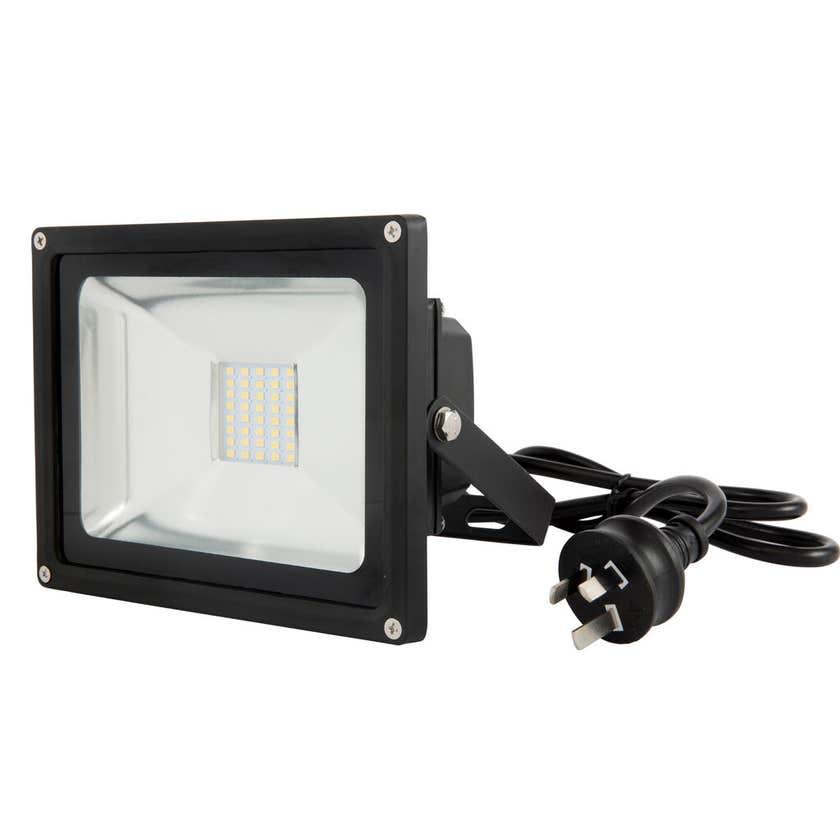 Avenger 11 20W Floodlight LED Black