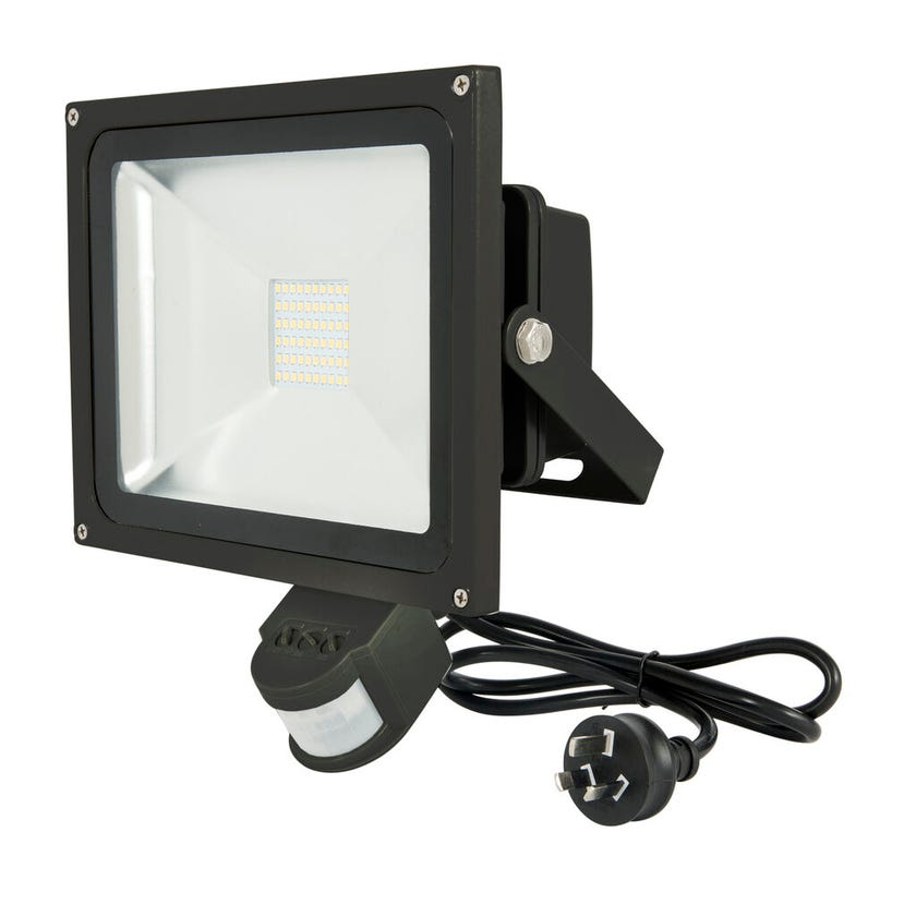 Avenger 11 30W LED Floodlight with Sensor Black