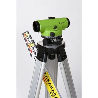Imex 32x Magnification Laser Level Includes Tripod and Staff ILAR32S