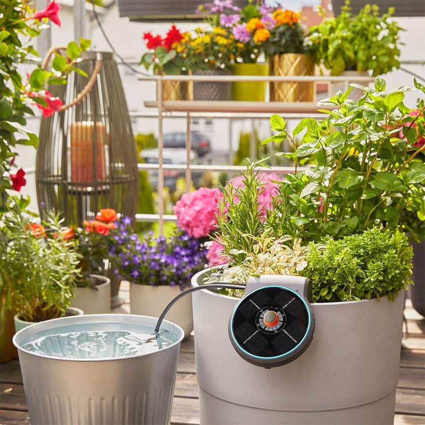 GARDENA AquaBloom Solar Irrigation Set