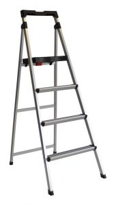 Werner Aluminium 4 Step Domestic Ladder with Tray 100kg