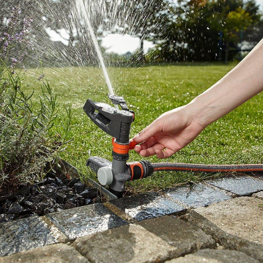 GARDENA Full or Part Circle Pulse Spike Sprinkler
