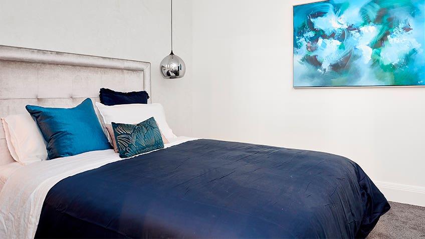 Hayden & Sara: Guest Bedroom