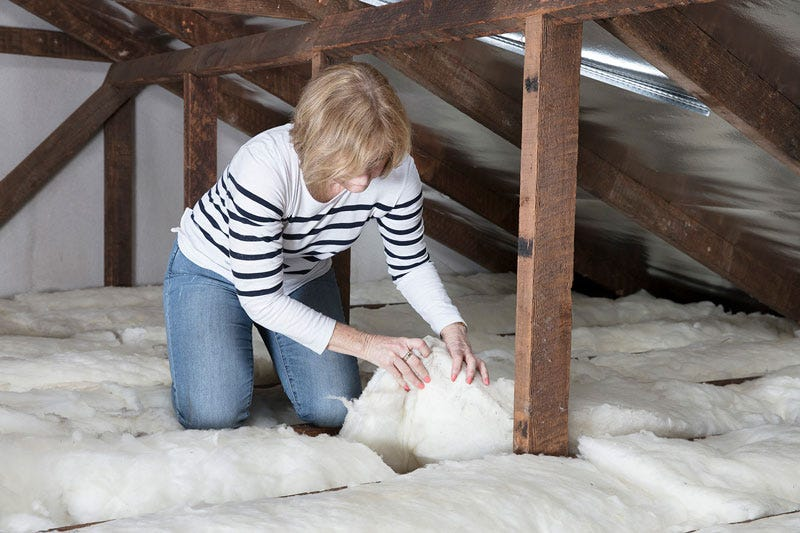 installing ceiling insulation