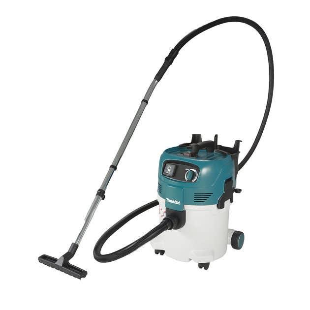 Makita Vacuums & Dust Extractors